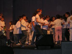 I singoli danze suonano il suono