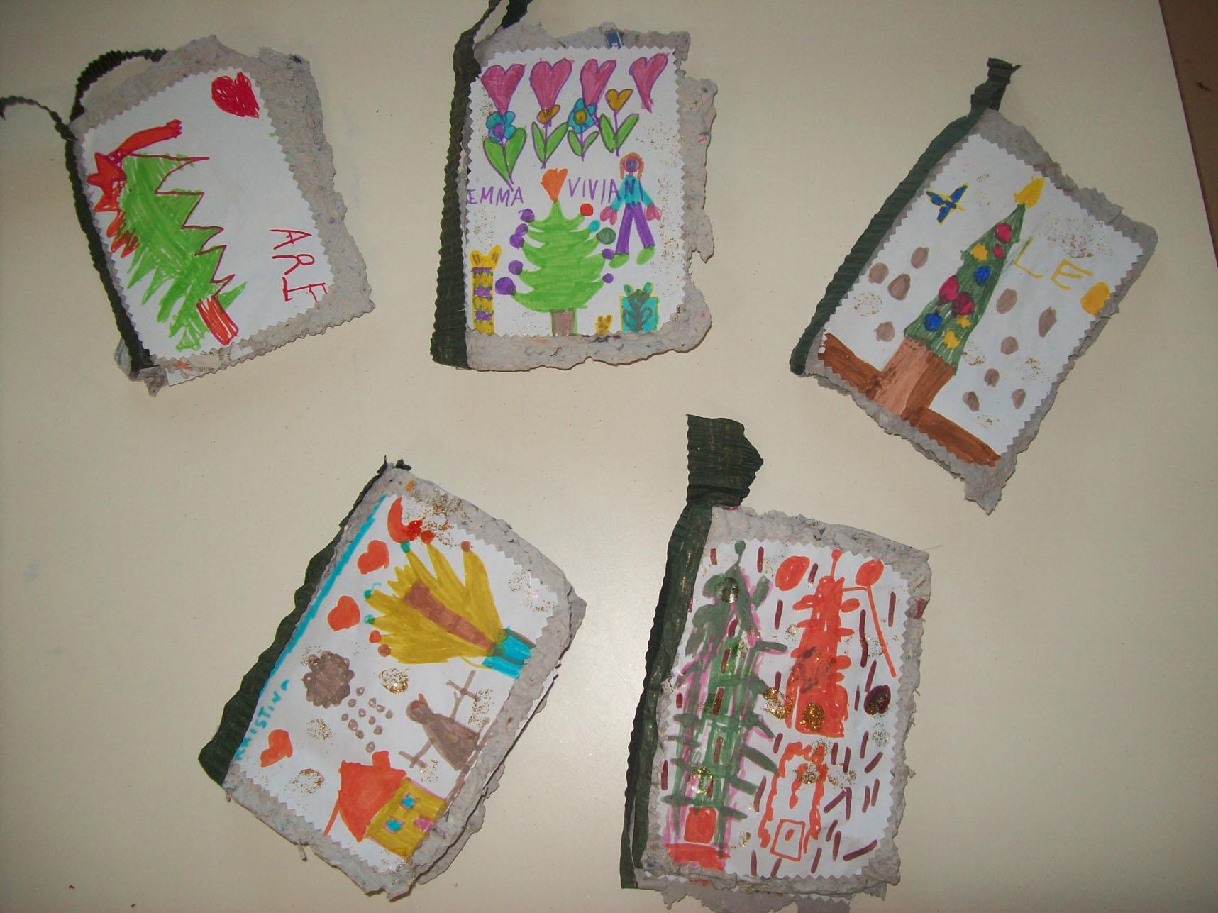 Biglietti Di Natale Con Carta Riciclata.From The Waste Basket